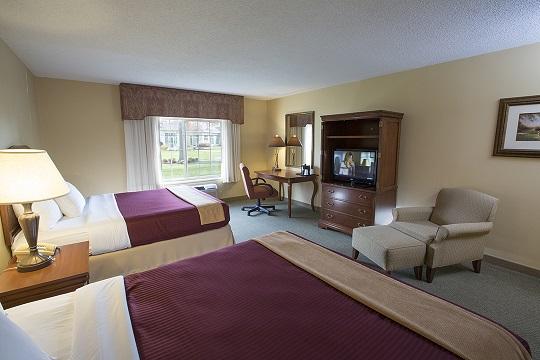Standard Double Queen Room at Swan Lake Resort