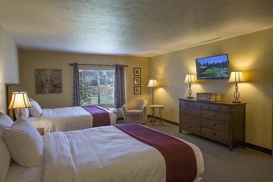 Owner's Deluxe Bedroom at Swan Lake Resort