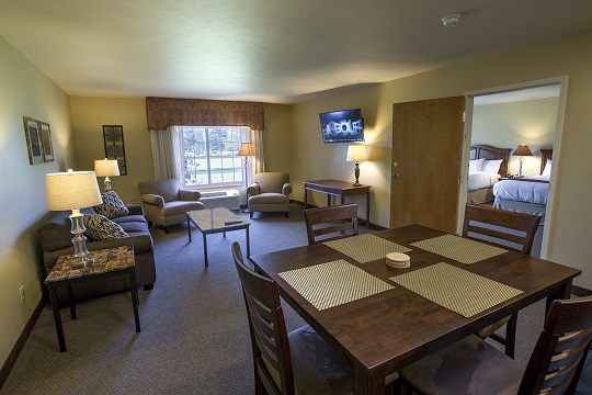 Presidential Suite Family Room at Swan Lake Resort