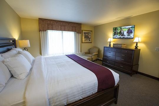 Presidential Suite Bedroom at Swan Lake Resort